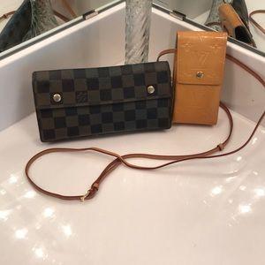 💯 % Authentic Louis Vuitton Items: collectible